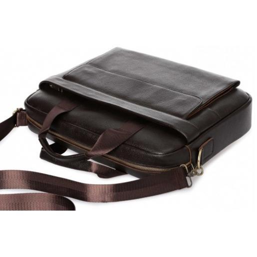 Классическая коричневая кожаная мужская сумка для документов и ноутбука