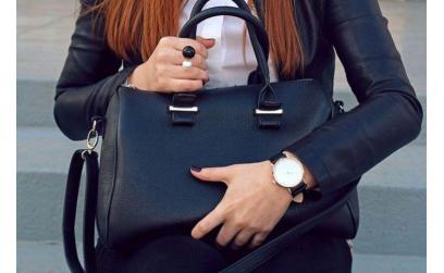 Сколько сумок надо женщине?