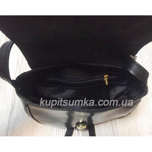 Женская кожаная сумка Boston черного цвета с фактурным клапаном