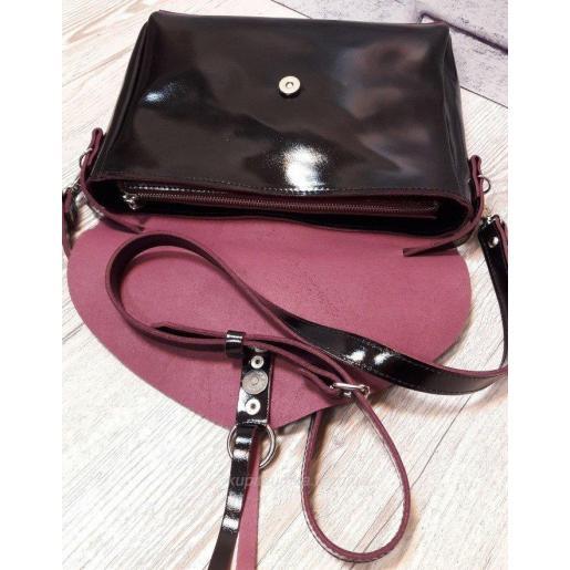 Черная глянцевая сумка из натуральной кожи