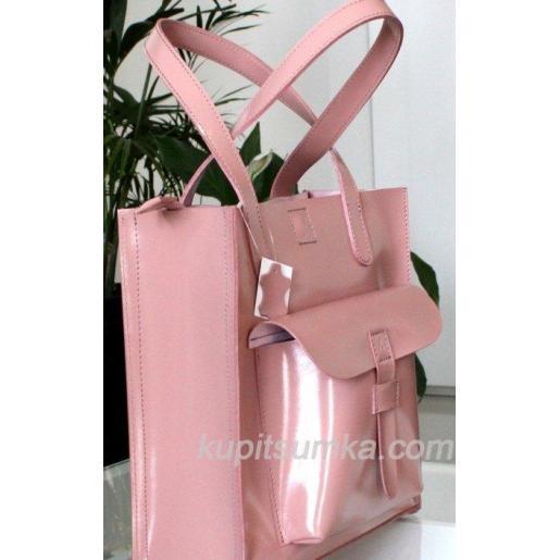 Розовая сумка из натуральной глянцевой кожи розового цвета