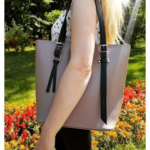 Женская сумка цвета капучино из натуральной кожи