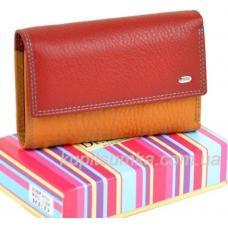 Компактный кожаный кошелёк в три сложения красного цвета