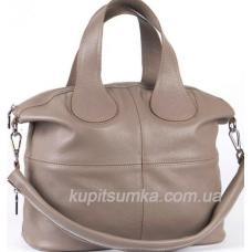 Универсальная сумочка из мягкой натуральной кожи цвета капучино