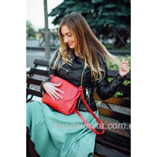 Женская сумка из тиснёной красной натуральной кожи на длинном ремне