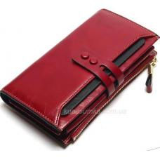 Вместительный женский кошелек красного цвета из натуральной кожи