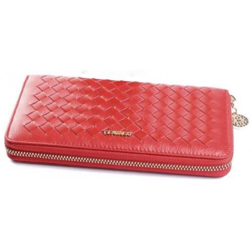 Кожаный красный кошелек с эффектным дизайном