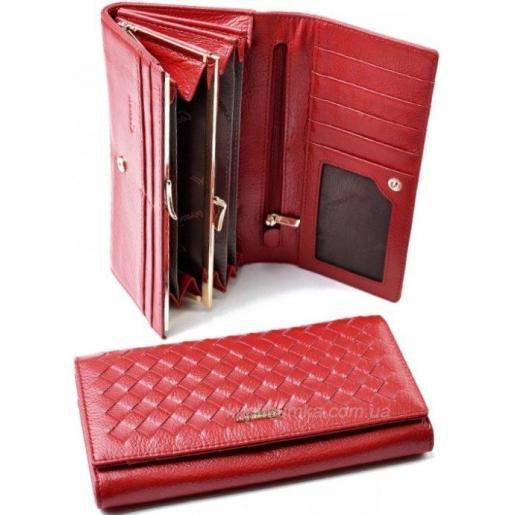 Женский кожаный кошелек красного цвета с интересным переплетением