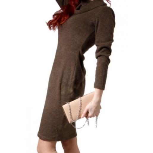 Лаковый женский клатч бежевого цвета 80U10