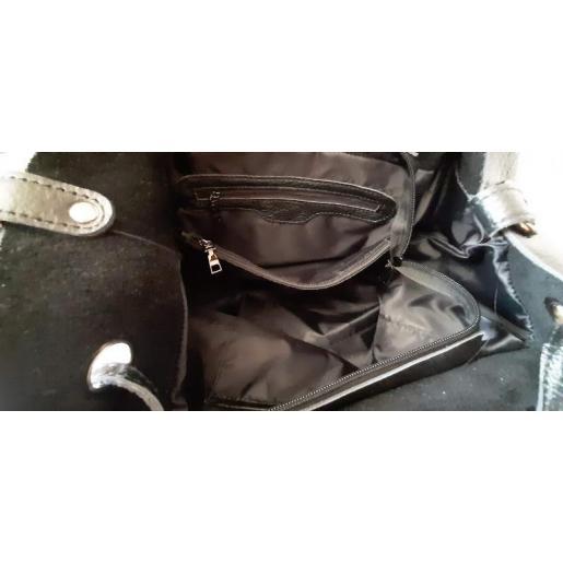 Женская кожаная сумка на длинных ручках в черном классическом цвете