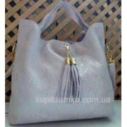 Женская сумка из натуральной кожи со съемным брелоком