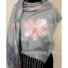 Серый кашемировый палантин с цветком