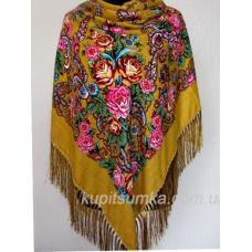 Украинский платок украшен удивительно красивым орнаментом в акварельном стиле Кэмел
