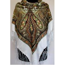 Уютный украинский платок с цветочным узором Белый