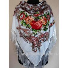 Шерстяной белый платок в национальном стиле