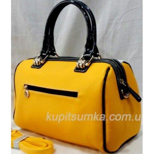 Женская сумка из кожзаменителя лимонного цвета с вышивкой