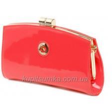 Классический лаковый клатч с логотипом бренда Коралловый